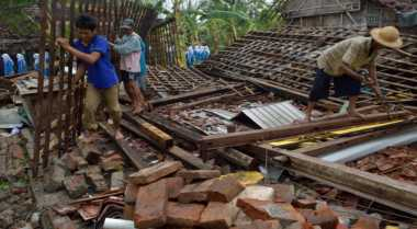 BPBD Makassar Salurkan Bantuan Korban Puting Beliung