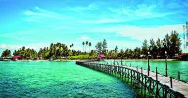 Pulau Derawan, Destinasi Cantik yang Wajib Dikunjungi