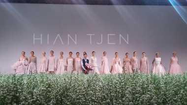 Manisnya Koleksi Hian Tjen di IPMI Trend Show 2016
