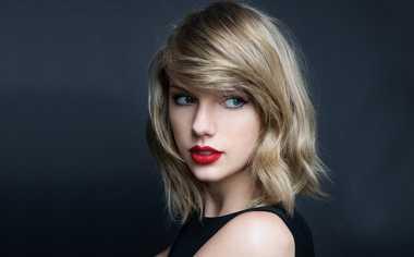 Haru Taylor Swift Temui Anak yang Terancam Tuli