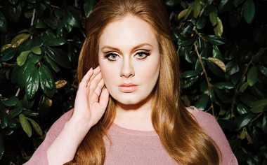 Respon Adele Usai Disanjung Britney