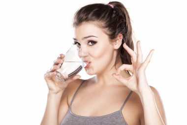 Manfaat Minum Air Garam Setiap Pagi