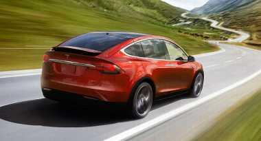 Rayakan Tahun Baru China Tesla Luncurkan Model X Signature Red