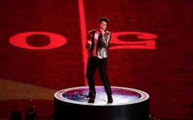 Bruno Mars Ramaikan Super Bowl Bareng Coldplay dan Beyonce