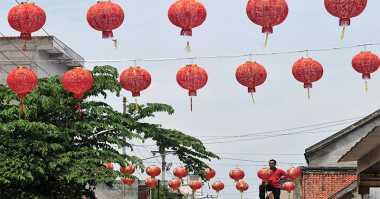 Jelang Imlek, Rumah-Rumah di Kampung China Berhias Lampion