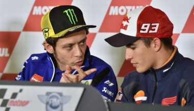 Insiden Rossi dan Marquez Paksa FIM Buat Aturan Baru