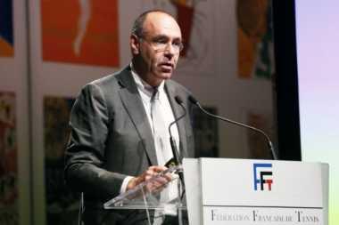 Direktur France Open Dipecat