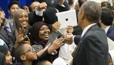 Pujian dan Kecaman atas Kunjungan Obama ke Masjid Baltimore
