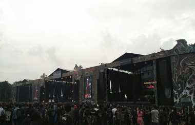"Hujan Deras, Headbangers Tetap Semangat di ""Hellprint United Day"""