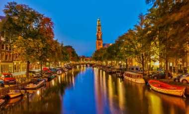 Serunya Jalan-Jalan di Kota Amsterdam