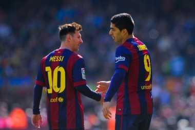 Suarez Diklaim Lebih Baik dari Messi