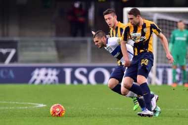 Sengit, Lima Gol Laga Verona vs Inter
