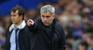 Ingin Depak Van Gaal, United Lakukan Pemicaraan dengan Mourinho