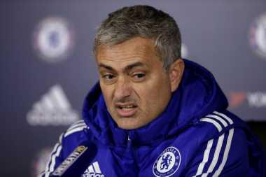 Mourinho Percaya Diri Ambil Alih Old Trafford