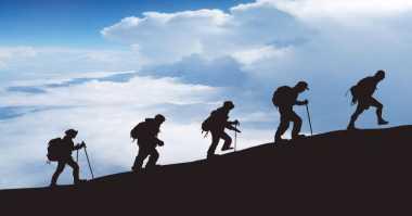 Naik Gunung, Pendaki Remaja Meninggal Kedinginan