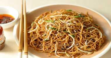 Makanan Favorit Wagub Kalbar saat Imlek
