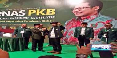 Gitaris Grup Band Kondang Gabung PKB