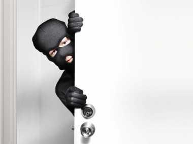 Dua Pencuri Tertangkap saat Membawa Mesin Pompa Air