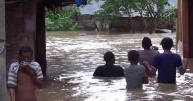 Tiga Orang Hanyut Diterjang Banjir di Deliserdang