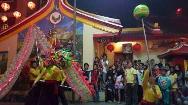 Pesta Barongsai di Vihara Tertua Bogor