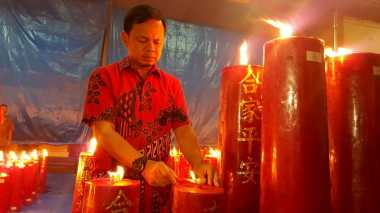 Imlek, Wali Kota Bogor Sambangi Vihara Tertua