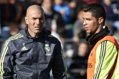 Tiga Kali Pemain Terbaik Dunia Kagumi Ronaldo