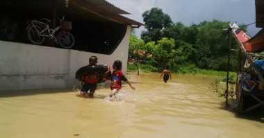 Banjir Rendam Sejumlah Ruas Jalan di Sampang