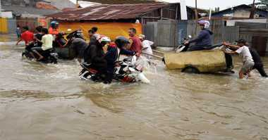 Hujan Deras Buat Kecamatan Periuk Banjir