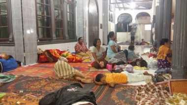 Korban Banjir Bandang di Medan Mengungsi di Masjid