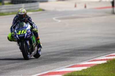 Rossi Suka Motor Tanpa Sayap
