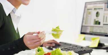 6 Tips Makan Sehat untuk Pekerja Kantoran