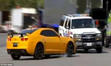 Sedang Syuting Transformer 3, Mobil Polisi Tabrak Bumblebee