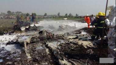 Breaking News Pesawat Militer Jatuh di Myanmar, Empat Tewas