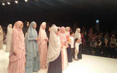 Selebriti Muslimah Jadi Model di Runway