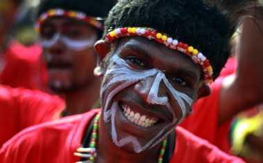 Bangun Papua, Pemerintah Lakukan Pendekatan Adat