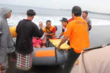 Rayakan Hari Galungan, Ni Wayan Terseret Arus Pantai