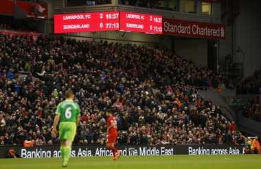 Terkait Harga Tiket Liverpool, Carragher Dukung Suporter
