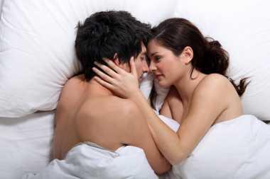 3 Hormon Pembangkit Gairah Seks Pria