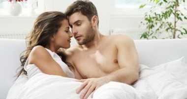 Ladies, Begini Trik Bangkitkan Gairah Seksual Pria