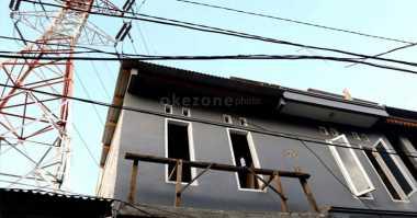 Tower Tumbang Diterpa Angin Kencang, Tiga Rumah Tertimpa