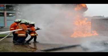 Rumah Makan Dilahap Api, Koki Ikut Terbakar