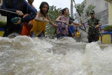 Banjir Melanda Kampar, Dua Orang Tewas