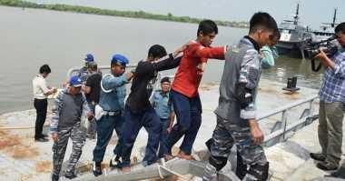 TNI AL Tangkap Kapal Malaysia Pencuri Ikan, 1 Tewas