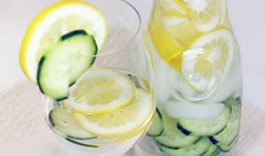 Minuman Pembangkit Mood Kerja