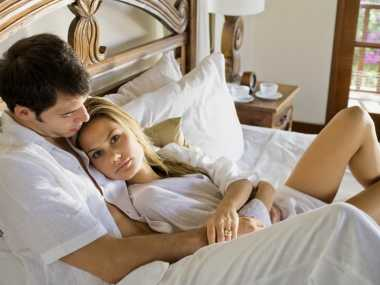 Bisa Hamil Meski Suami Pakai Kondom, Ini Alasannya!