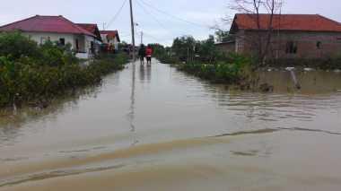 Satu Desa di Indramayu Terisolir Akibat Banjir