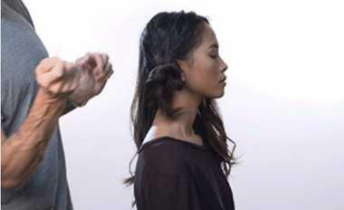 Trik Mudah dan Cepat Mengeriting Rambut