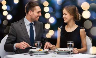Ide Seru Rayakan Valentine Pertama dengan Pasangan