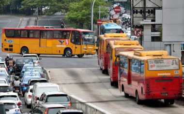 Bus Transjakarta Tabrak Pejalan Kaki di Depan LP Cipinang