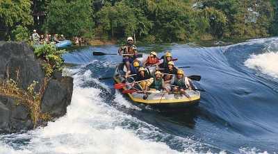 Siti Badriah Rasakan Rafting di Sukabumi